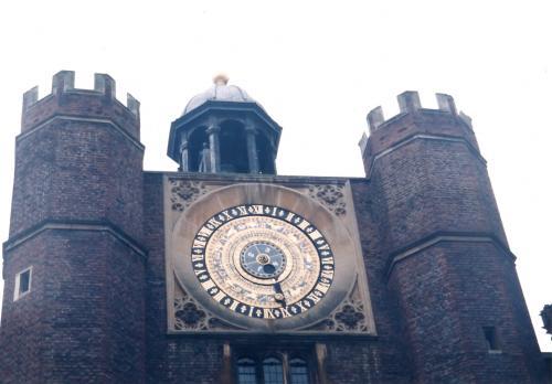 ハンプトンコートパレスの時計