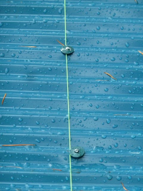 屋根の釘うち