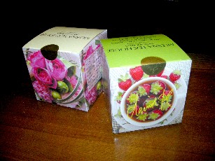 「花いちご」と「チューリップローズ」
