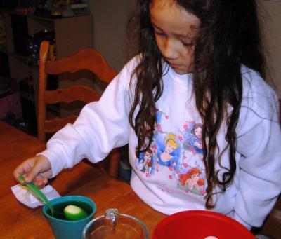 Egg+Coloring+003_convert_20100406064019.jpg