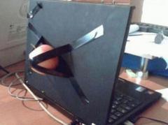 どこかのノートパソコンのイメージ?