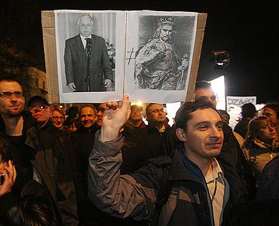 ポーランド デモ