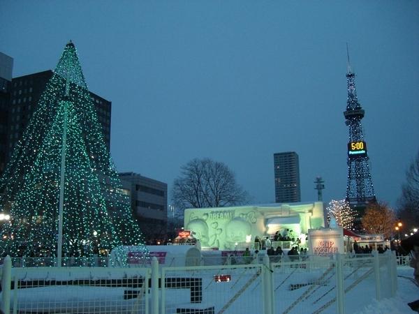 o0600045010315678496さっぽろ雪祭り