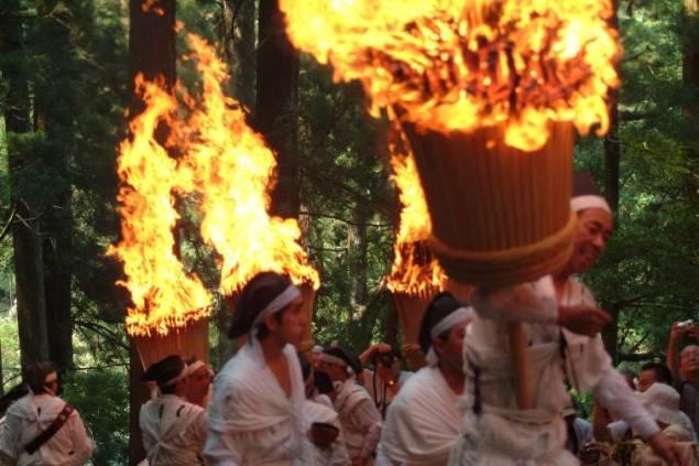 0407524那智の火祭り