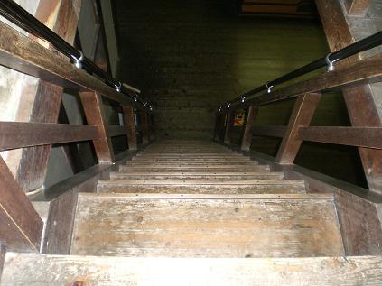松山城階段