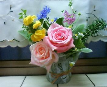 バラとハーブのミニ花束