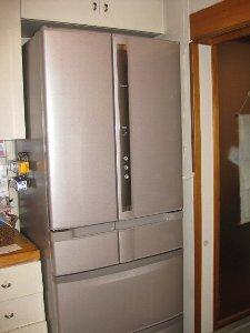 冷蔵庫新300