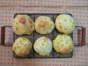 002コーン&チーズパン