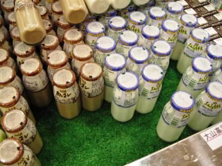210613白バラ牛乳
