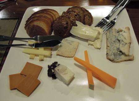なるかわチーズ
