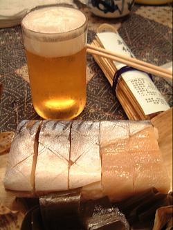 山陰線ホームの鯖寿司2