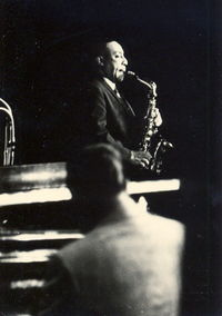 200px-Johnnyhodges06021965a[1]
