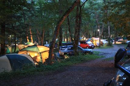 平湯キャンプ難民キャンプ灯り
