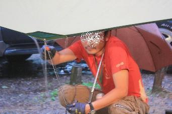 平湯キャンプ雨の修復仁