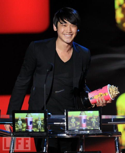 100607-MTV movie Award-04