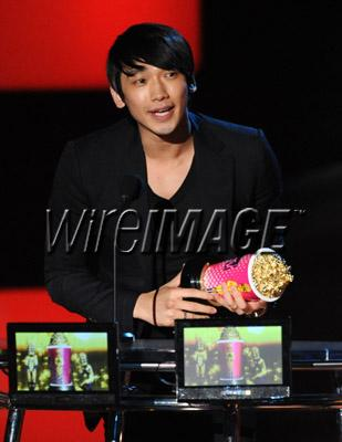 100607-MTV movie Award-02