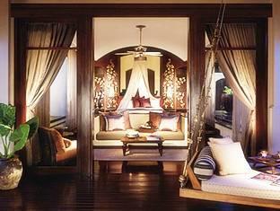 フォー シーズン リゾート (Four Seasons Resort)