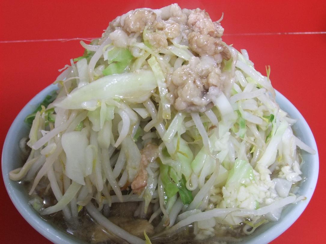 ラーメン二郎 中山駅前店:小ラーメン豚入(ニンニクヤサイマシマシアブラ) 11.05.15