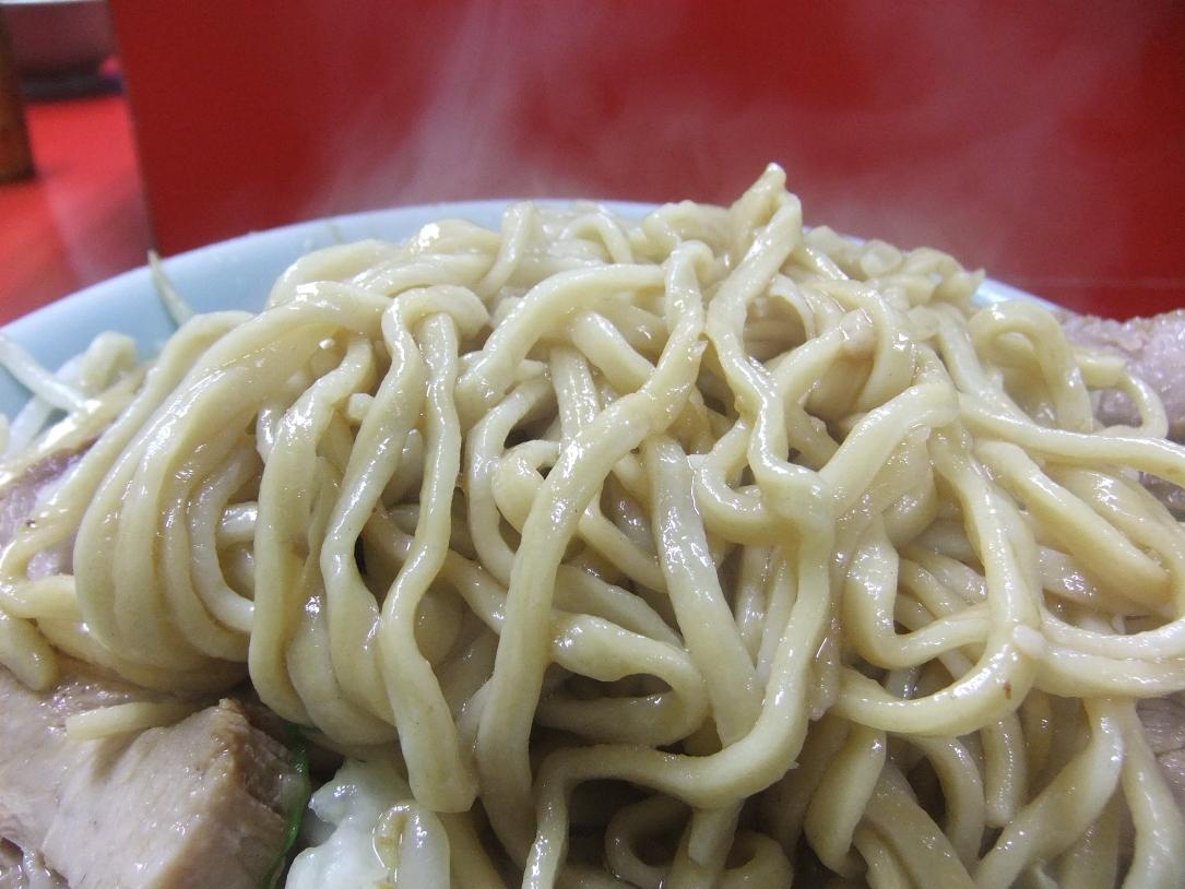 ラーメン二郎 中山駅前店:麺 11.06.11