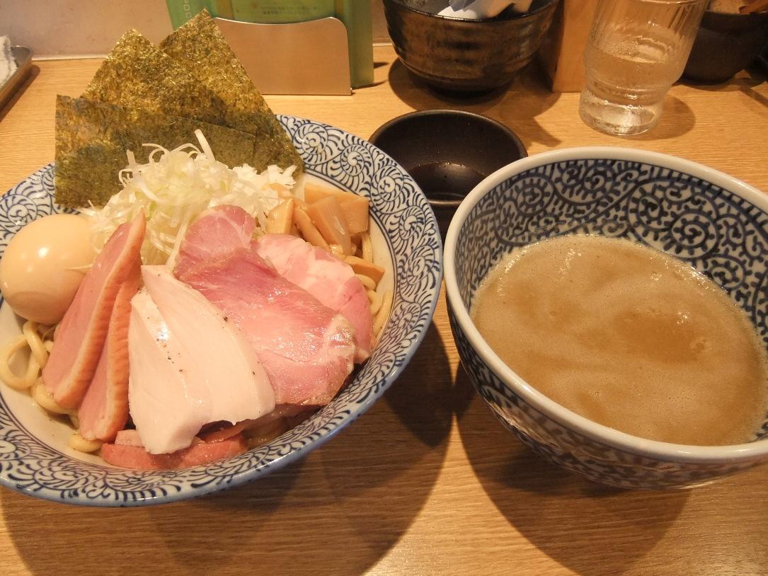 麺屋 一燈:和えつけ鶏白湯そば 11.07.09