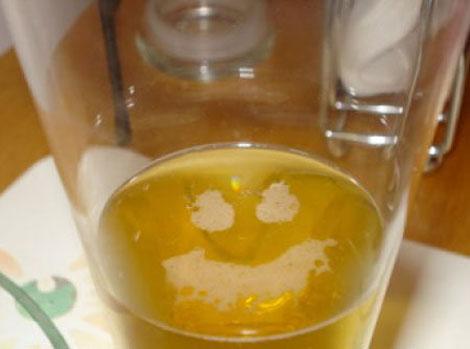 笑うビール - Smiling Beer