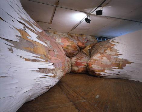 時空が歪んだようなアート - Henrique Oliveira