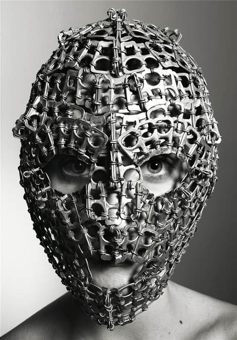 奇妙なMask Photography - Richard Burbridge