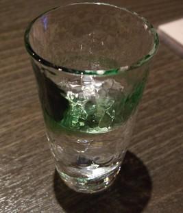道中庵で使用されている十二ヵ月のグラス