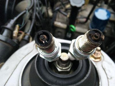 エンジンルーム点検 スパークプラグの状態 フロント側リーディング・トレーディング