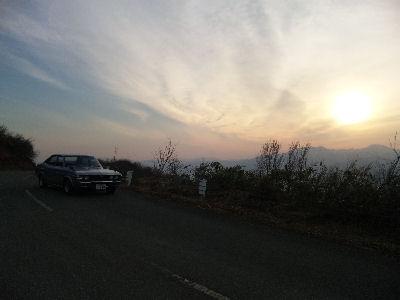 マツダルーチェと越後山脈からの日の出