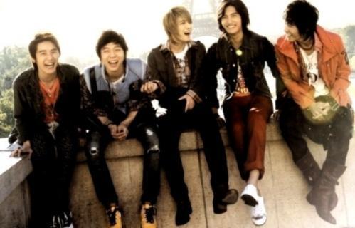 5人の笑顔