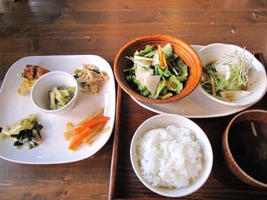 野菜中心のランチプレート(≧▽≦)♪