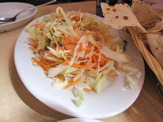 サラダ(これは日本の定食風だった:笑)