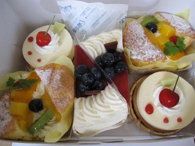 ケーキわいわいわい♪