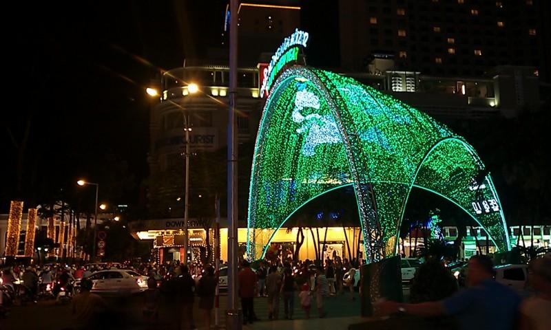 greenlightssaigon_s.jpg
