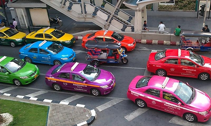 taxiroofbkk.jpg