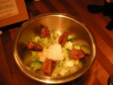 牛フィレ肉のソース、12時間かけた、人間用と同じものざんすよ!