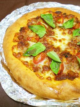 ピッツア ~トマト&アンチョ ビーソース