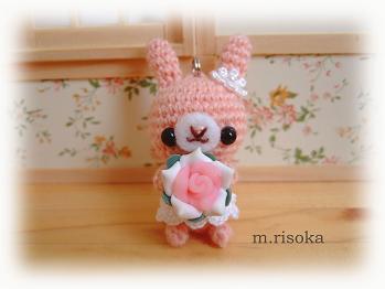 白ピンクの花