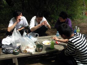 雨巻山中国の研修生