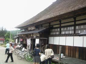 マズイ蕎麦屋全景