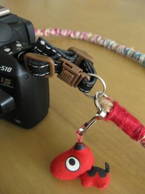 「工房 絲」のカメラストラップ~Spiralランダム