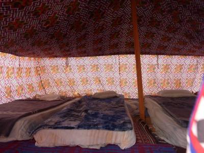 tent_convert_20100106075156.jpg