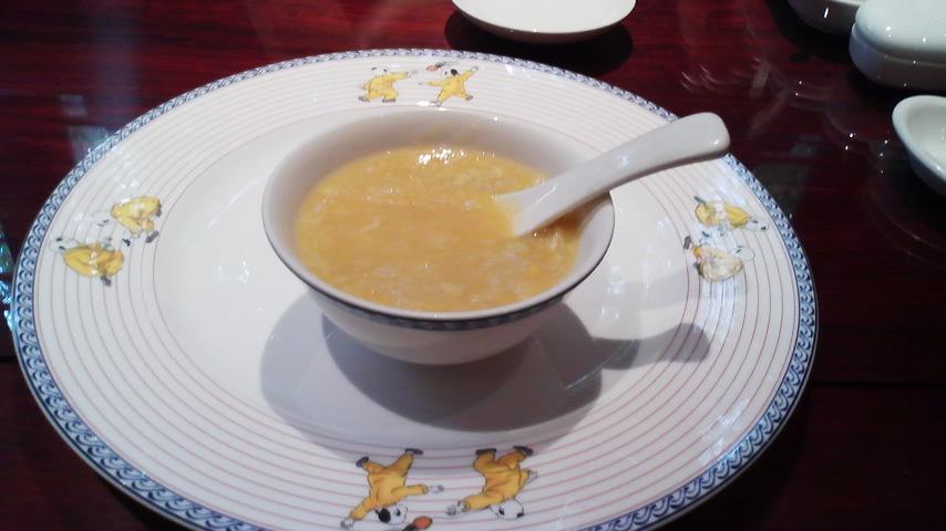 コーンと蟹のスープ