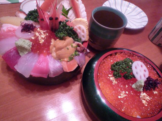山さん寿司(海鮮丼・いくら丼)