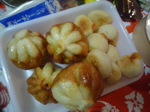 カメリア(豚まんパン&プチチーズ)