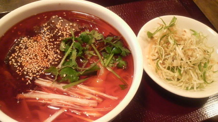 刀削麺(牛肉麺)