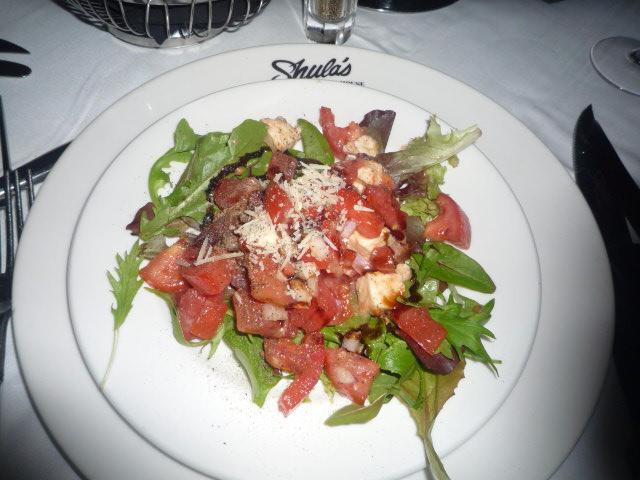 Hotel(Shulas)(トマトとモッツアレラのサラダ)
