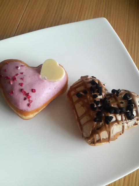 Krispy Kreme(チョコモカハート&ストロベリーダブルハート)