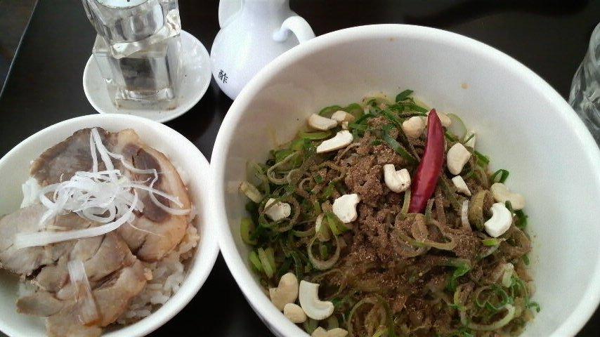 香家(マーラー汁なし坦々麺&叉焼丼)